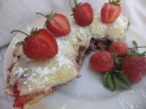 Фото рецепта «Клубничный насыпной пирог»